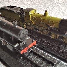 Trenes Escala: LOTE 2 TRENES - 37.CM LARGO DE PASTA MAQUETA - SIN USO EN BLISTER. Lote 154887434