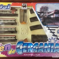 Trenes Escala: JUGUETE TREN DE CERCANIAS RENFE XATIVA - PEQUETREN - ELÉCTRICO A PILAS - METAL - EN SU CAJA ORIGINAL. Lote 155838966
