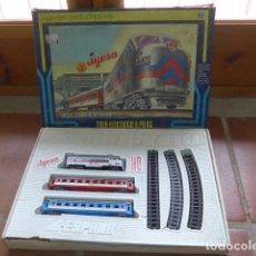Trenes Escala: ANTIGUO TREN ELECTRICO A PILAS DE JYESA, ORIGINAL. . Lote 158753182