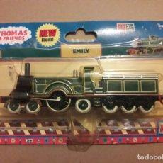 Trenes Escala: THOMAS AND FRIENDS ERTL LOCOMOTORA EMILY BLISTER ALGO DAÑADO TRENES. Lote 210842506