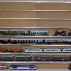Trenes Escala: OFERTA LOTE TRENES ESCALA 1 (1: 32) RENFE. Lote 169241760