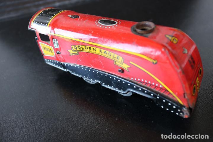 Trenes Escala: LOCOMOTORA DE HOJALATA - GOLDEN EAGLE 2509 - MECANISMO A CUERDA - MADE IN ENGLAND - FUNCIONA - Foto 2 - 170290904