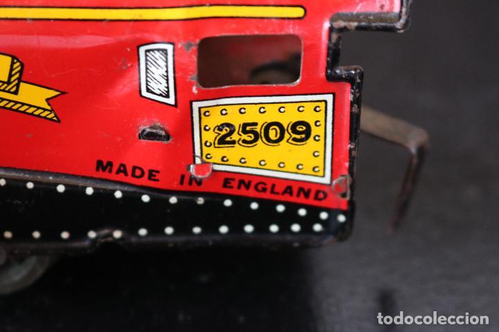 Trenes Escala: LOCOMOTORA DE HOJALATA - GOLDEN EAGLE 2509 - MECANISMO A CUERDA - MADE IN ENGLAND - FUNCIONA - Foto 7 - 170290904