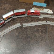 Trenes Escala: LOCOMOTORA, VAGONES Y VÍAS NEW RAY. Lote 171208739