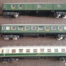 Trenes Escala: TRES VAGONES IBERTREN 2 DE RENFE. Lote 171320725