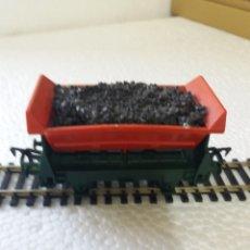 Trenes Escala: VAGONES H0 TOVA BASCULANTE CON CARGA DE CARBON. Lote 173410120