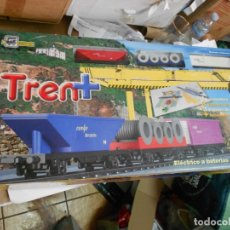 Trenes Escala: GRAN CIRCUITO PEQUETREN DE RENFE CON LOCOMOTORA, 3 VAGONES VIAJEROS, 3 VAGONES MERCANCIAS Y VARIOS. Lote 173866170