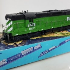 Trenes Escala: ARTHERN AR BURLINGTON NORTHERN 8473 ESCALA H0 CORRIENTE CONTINUA DIGITALIZADA 23 CM. Lote 176183553