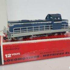 Trenes Escala: JOUEF LOCOMOTORA B B 66150 AZUL CON FRANJA BLANCA DE LA SNCF FRANCESA CONTINUA DE 17 CM. Lote 179963106