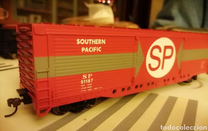 Trenes Escala: Vagón mercancías Southern Pacific. Bachmann HO / H0. Estados Unidos. USA. - Foto 2 - 187467945
