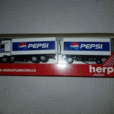 Trenes Escala: HERPA MINIATURMODELLE HO CAMION PEPSI CON ACCESORIOS. Lote 190041821