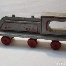 Trenes Escala: MÁQUINA DE TREN RENFE MADERA CENTAURO AÑOS 50 ORIGINAL. Lote 191006065