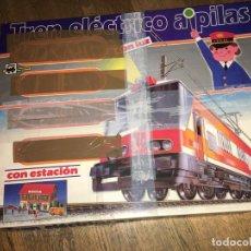 Trenes Escala: PEQUETREN TREN ELECTRICO A PILAS CON ESTACION . FUNCIONA. TREN ALPINO (J-3). Lote 191217527