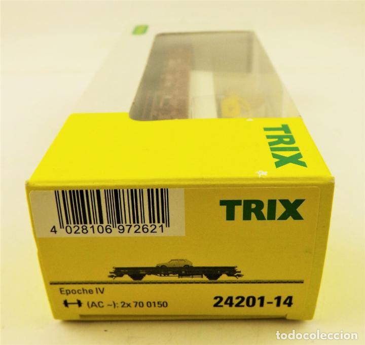 Trenes Escala: Trix Vagón plataforma con vehículo 13 H0 - Foto 3 - 204409301