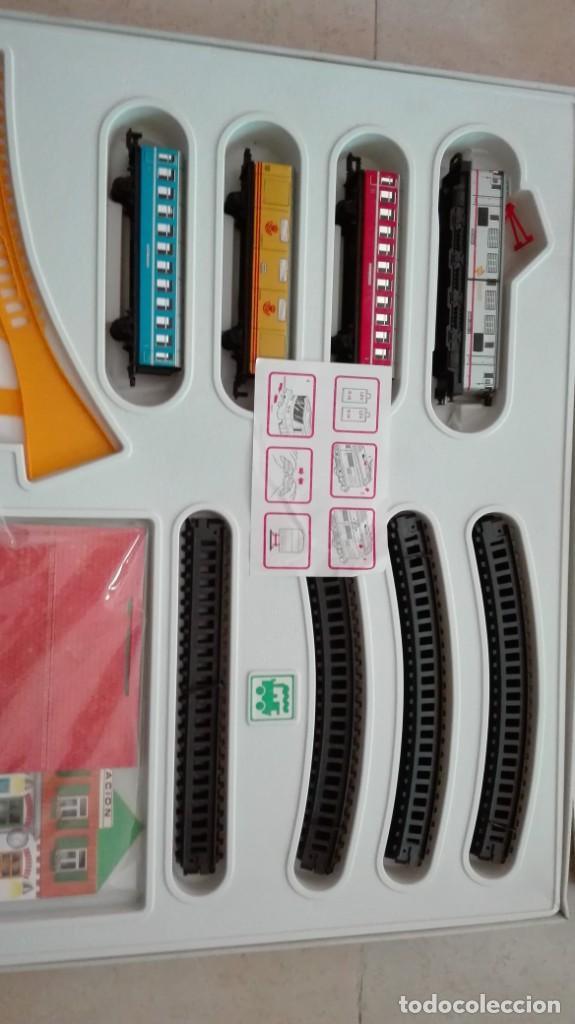 Trenes Escala: Tren electrico a pilas con luz y estacion pequetren ref.602 ,tren correo madrid alicante,nuevo s - Foto 4 - 193258311