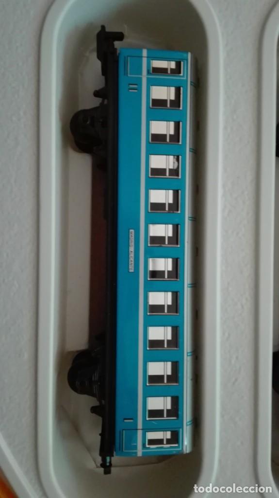 Trenes Escala: Tren electrico a pilas con luz y estacion pequetren ref.602 ,tren correo madrid alicante,nuevo s - Foto 7 - 193258311