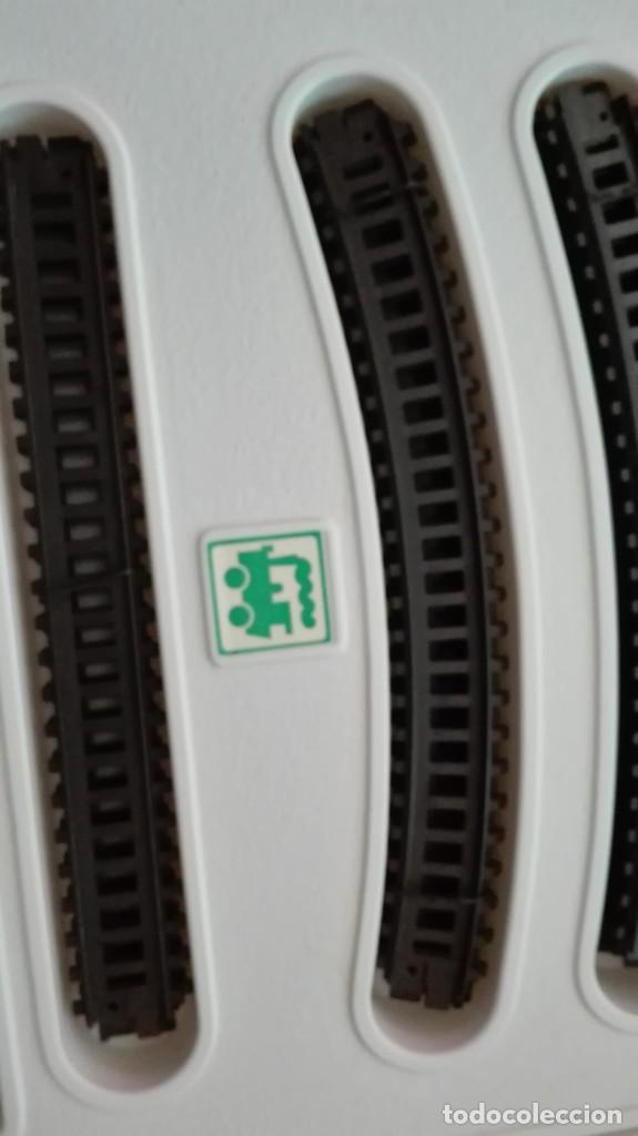 Trenes Escala: Tren electrico a pilas con luz y estacion pequetren ref.602 ,tren correo madrid alicante,nuevo s - Foto 12 - 193258311