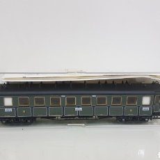 Trenes Escala: TRICKS VAGÓN DE TERCERA CLASE VERDE DE PASAJEROS CONTINUA DE 22 CENTÍMETROS. Lote 194063701