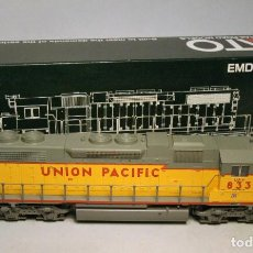 Trenes Escala: KATO. ESCALA H0. LOCOMOTORA EMD SD38-2. UNION PACIFIC #Y833. DIGITAL. Lote 194285501