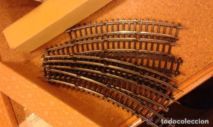 Trenes Escala: Jyesa antiguo lote de vias y desvios (48 piezas) escala H0 y vagones con la caja grande original. - Foto 8 - 194394930