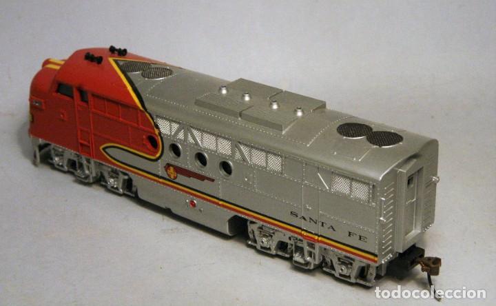 Trenes Escala: BACHMANN. Escala H0. Locomotora EMD F7 A. Santa Fe. Warbonnet. Digital - Foto 4 - 195075456