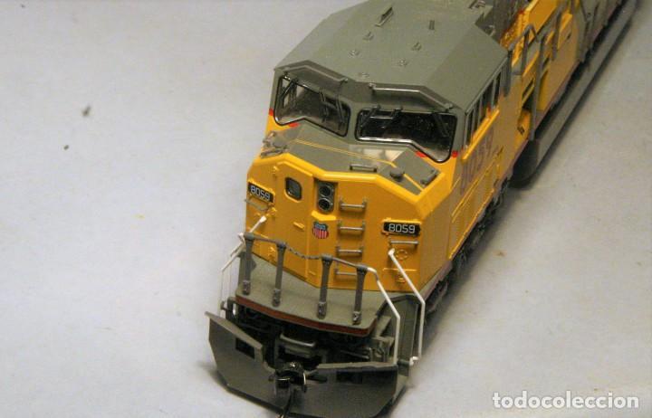Trenes Escala: KATO. Escala H0. Locomotora EMD SD90/43 MAC. Union Pacific #8059. Digital.. - Foto 4 - 195075715
