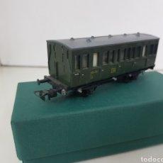 Trenes Escala: VAGÓN DE PASAJEROS ALEMÁN PIKO 11 CM VERDE. Lote 195209757