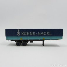 Trenes Escala: ROCCO TRAILER 2 EJES, CAMA BAJA CON LONA. ESCALA 1/87 H0 (3064). Lote 195339593