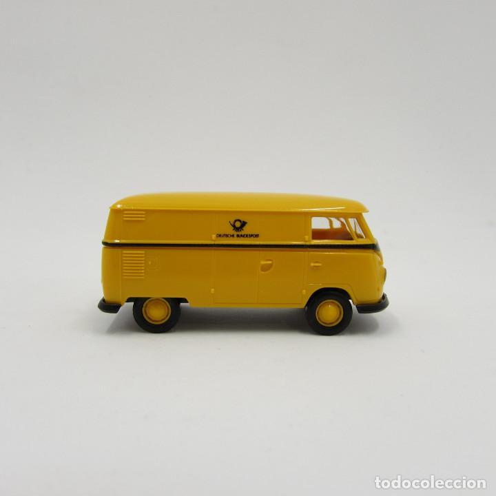 Trenes Escala: Brekina VW T1 (T1b) 1950-1967 cerrada. Escala 1/87 H0 (3706) - Foto 2 - 195353727