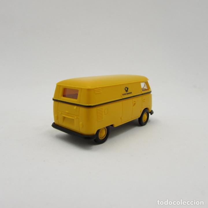 Trenes Escala: Brekina VW T1 (T1b) 1950-1967 cerrada. Escala 1/87 H0 (3706) - Foto 3 - 195353727