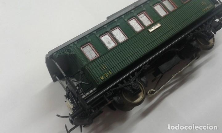 Trenes Escala: Vagón de pasajero corto con luz interior - Foto 4 - 197849055