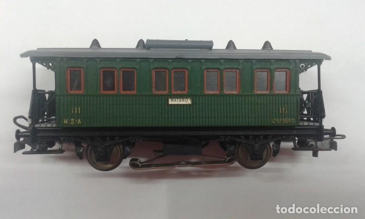 Trenes Escala: Vagón de pasajero corto con luz interior - Foto 5 - 197849055