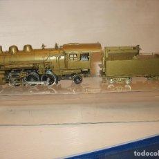 Trenes Escala: MAQUINA EN LATON AMERICANA (KOREA). Lote 198482221
