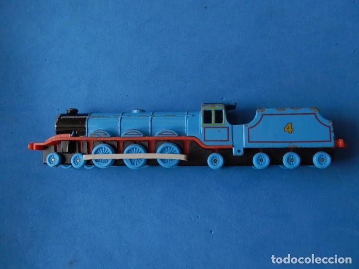 Trenes Escala: Especie de tren infantil. ERTL. DYERSVILLE IOWA USA. Thomas the Tank Engine & Friends. Años 80/90. - Foto 16 - 23754302