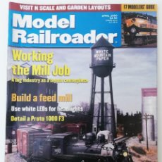 Trenes Escala: REVISTA MODEL RAILROADER - APRIL 2000. AMERICANA. EN INGLÉS.. Lote 207061566