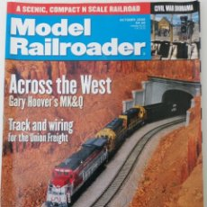 Trenes Escala: REVISTA MODEL RAILROADER - OCTOBER 2000. AMERICANA. EN INGLÉS.. Lote 207062092
