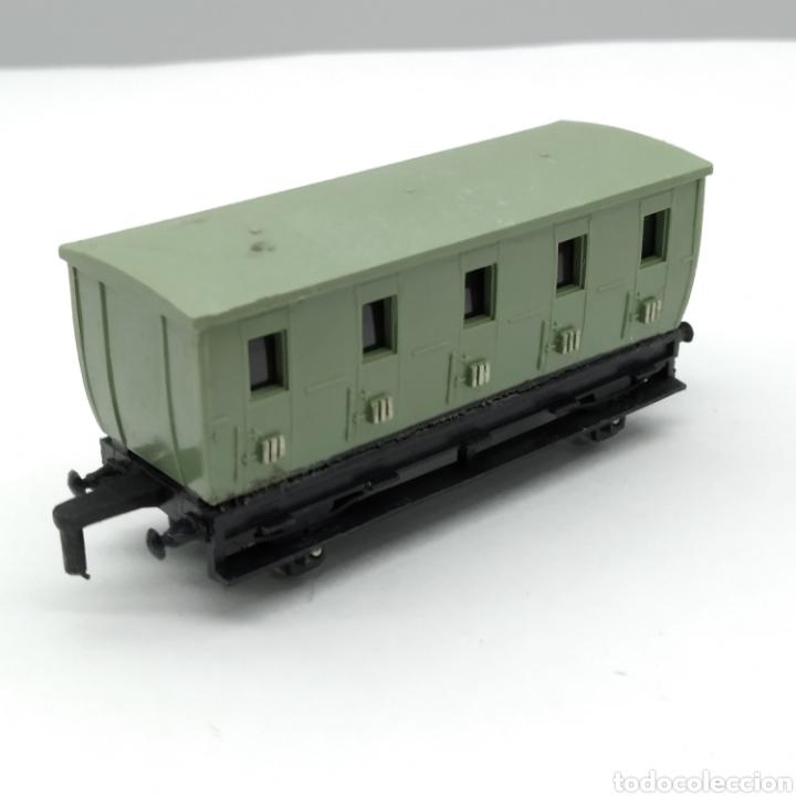 Trenes Escala: LOTE DE 1 MÁQUINA y 3 VAGONES MAJORETTE RAIL ROUTE ESCALA 1/143 INICIO DE LOS AÑOS 60 - Foto 12 - 208012562