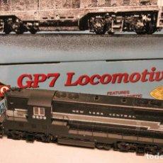 Trenes Escala: PROTO 2000. ESCALA H0. LOCOMOTORA AMERICANA EMD GP7 II. NEW YORK CENTRAL. #5809. DCC DIGITAL. Lote 208338623
