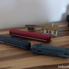 Trenes Escala: TREN JOUEF LOCOMOTORA 2 VAGONES Y CASITA + PARADA.MADE IN FRANCE. Lote 210537923