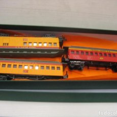 Trenes Escala: SET DE 3 VAGONES DE BACHMANN. Lote 213499278