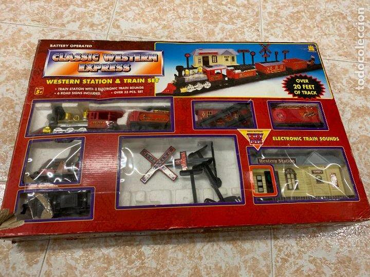 Trenes Escala: Bonito tren a pilas, con muchos complementos. CLASSIC WESTERN EXPRESS. en caja original. ver fotos - Foto 2 - 218831425