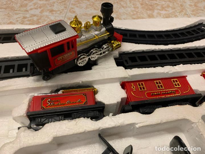 Trenes Escala: Bonito tren a pilas, con muchos complementos. CLASSIC WESTERN EXPRESS. en caja original. ver fotos - Foto 5 - 218831425