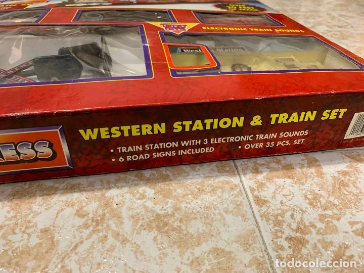 Trenes Escala: Bonito tren a pilas, con muchos complementos. CLASSIC WESTERN EXPRESS. en caja original. ver fotos - Foto 22 - 218831425