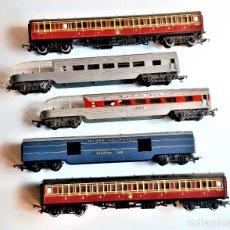 Trenes Escala: LOTE DE VAGONES DE TREN TRI-ANG RAILWAYS VARIOS - 27.CM LARGO CADA UNO APROX. Lote 220885791