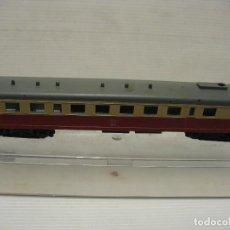 Trenes Escala: AUTOMOTOR MARCA PIKO NO RENFE. Lote 221563513
