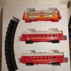 Trenes Escala: TREN PAYA. REF. 2480. TREN CERCANIAS. ELECTRICO A PILAS.. Lote 221670355