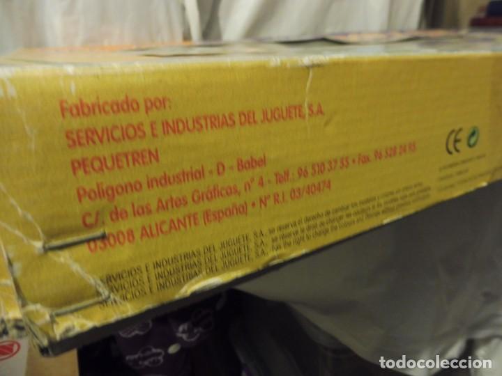 Trenes Escala: Pequetren doble viajeros y mercancías ref. 900 en caja metálico con luz - Foto 15 - 221954571