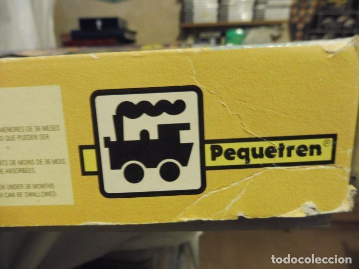 Trenes Escala: Pequetren doble viajeros y mercancías ref. 900 en caja metálico con luz - Foto 17 - 221954571
