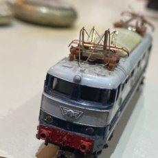 Trenes Escala: LOCOMOTORA TREN E 444 TARTARUGA -ELÉCTRICA.FS ATLAS RIVAROSSI . VER LAS IMÁGENES. Lote 222080311