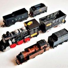 Trenes Escala: LOCOMOTORA HORNBY Y OTRA + VAGONES VARIOS - 9 A 17.CM LARGO. Lote 222264666